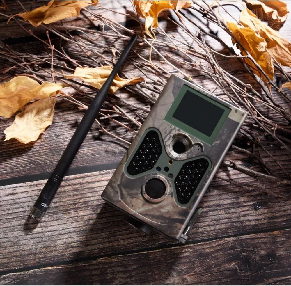 Μία από τις ερωτήσεις που παρουσιάζονται πιο συχνά όσον αφορά τις κυνηγητικές κάμερες είναι το αν θα πρέπει να επιλέξετε ένα μοντέλο με φλας, ή να πάτε σε κάποια υπέρυθρη κάμερα.